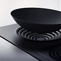 The 'Amphi' Induction Range Adjusts to Different Cooking Vessels