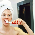 Triple-Brush Toothbrush Speed Cleans Your Teeth in 10 Seconds - Glaresmile